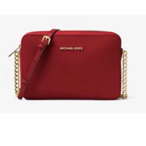 Michael Kors Handbags - Michael Kors crossbody in Maroon